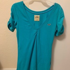 Women's blue hollister t-shirt